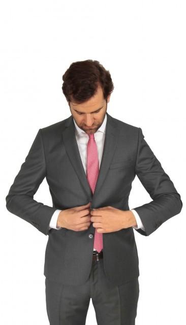 Grauer Anzug The Nines