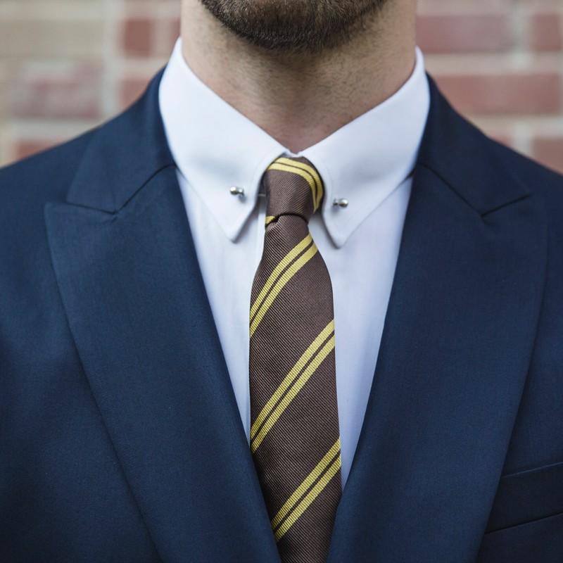 braune club krawatte mit gelben querstreifen the nines. Black Bedroom Furniture Sets. Home Design Ideas