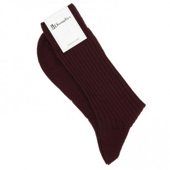 Bordeauxrote Wollsocken