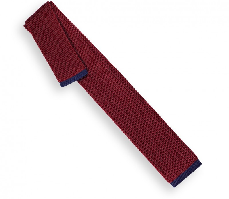 Rubinrote Krawatte mit marinblaue Ende aus gestricker Seide. - Monza II