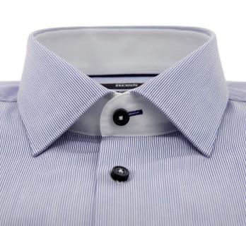 Marineblaugetreiftes slim-fit Popeline-Hemd von Hugo Boss mit italienischem Kragen, einfachen Manschetten und schwarzen Kn?pfen